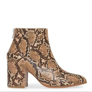 NEW Steve Madden Julianna Pointed Toe Block Heel